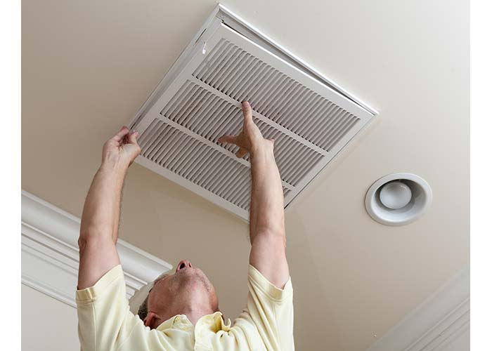 austin HVAC contractor doing AC filters installation in Austin